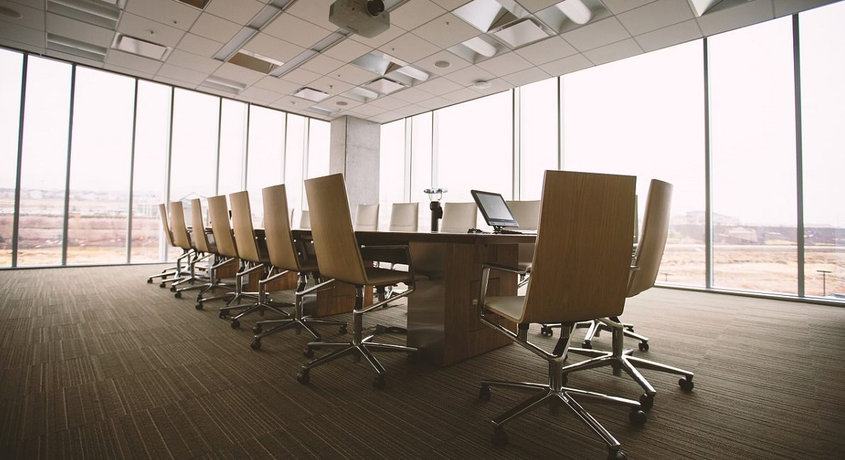 Why You Should Stay Up-to-Date with Microphone Technology if You Design Meeting Rooms