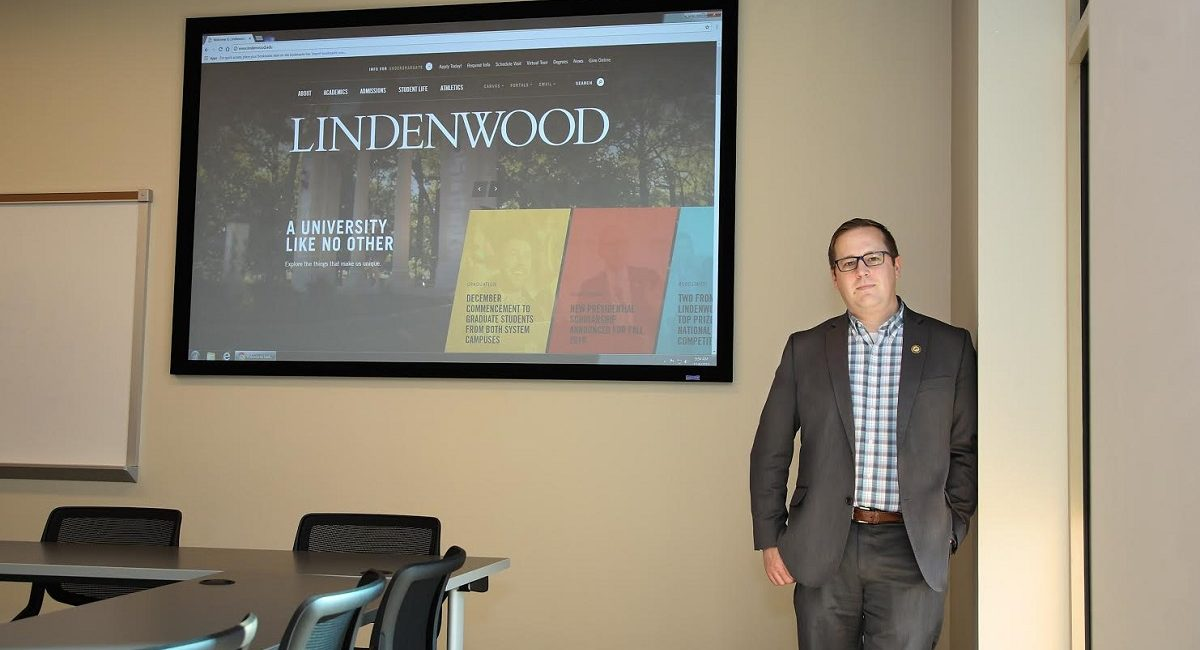 Lindenwood University Selects Da-Lite ALR Projection Screens for Light-Filled Library