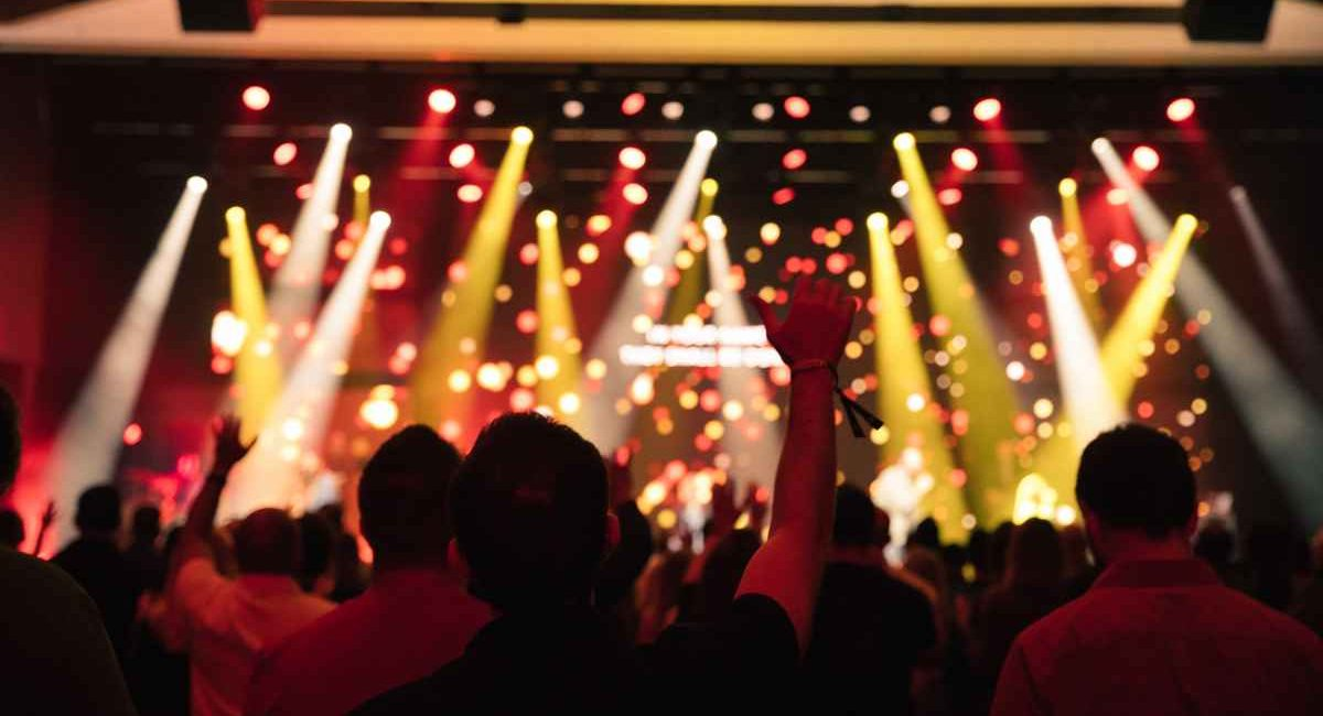 Church of the Highlands Worshipers See the Light – Harman Professional's Martin Lighting Fixtures