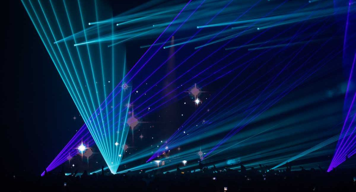 Ice Cube, Zedd, Kaskade Illuminated by Martin Lighting Fixtures