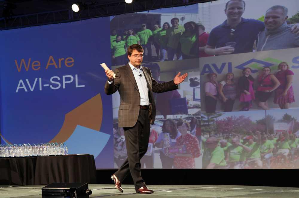 Sympohny v 4.9. John Zettel, CEO, AVI-SPL, SAMA Excellence Awards