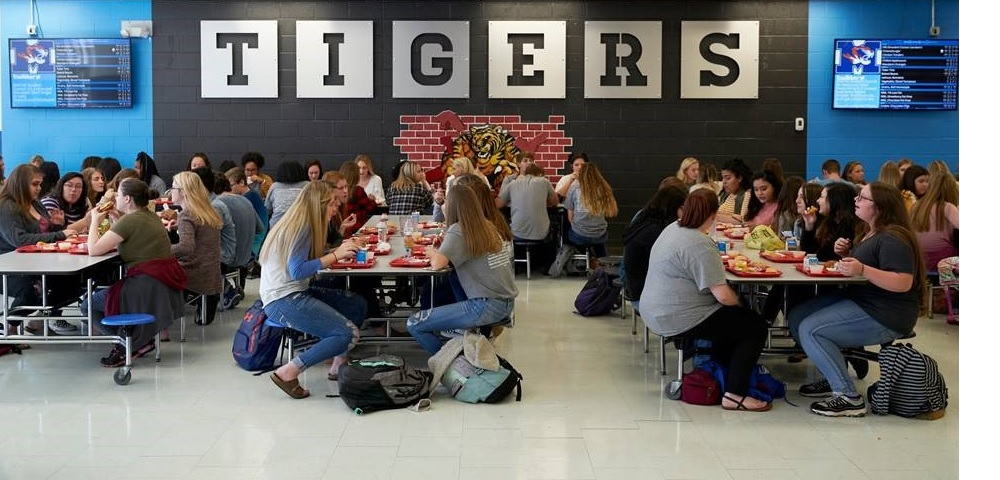 MealViewer, LG Offer School Cafeterias Digital Menu Board Live Updates