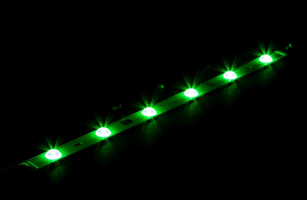 Environmental Lights RGB 160-Degree LED Light Bar Makes Backlighting Easy