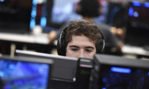 Esports, a Growing Pro AV Market, is Thriving Under the COVID-19 Quarantine