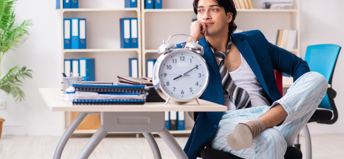 Waking Up Early and Working Late Doesn't Ensure You'll Be a Productive Employee