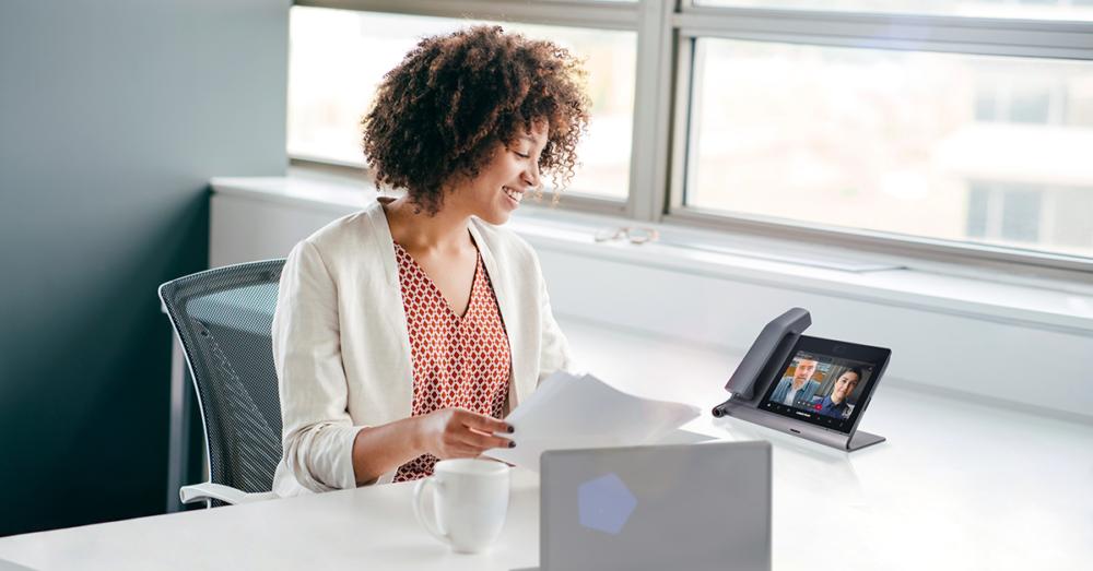 Crestron Launches Crestron Flex Phones for Microsoft Teams