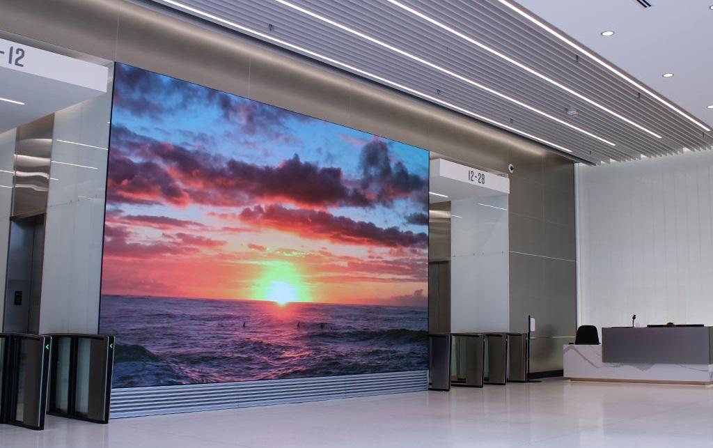 SNA Displays Helps Modernize Milwaukee High Rise